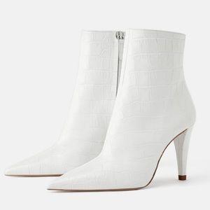 White Snakeskin Print Heels 36